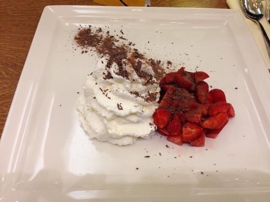Lobster & Bowland: Lobster - Strawberries & Cream