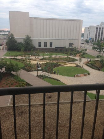 Hyatt Regency Tulsa: Beautiful views and park down below.