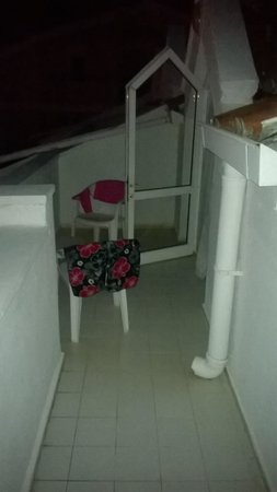 Kaan Apart: top floor balcony