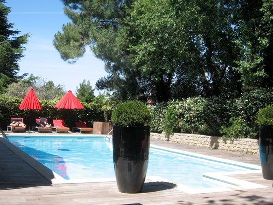 Hotel Des Pins: La piscine