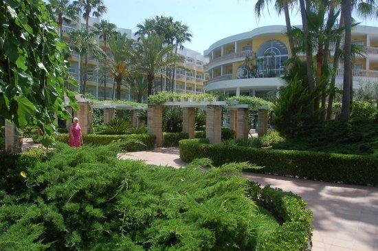 IBEROSTAR Albufera Playa : More gardens