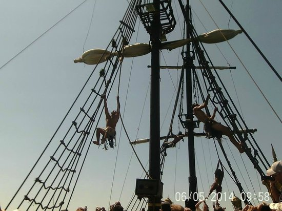 Medina Solaria & Thalasso : Pirates swinging from the masts (no harasses!)