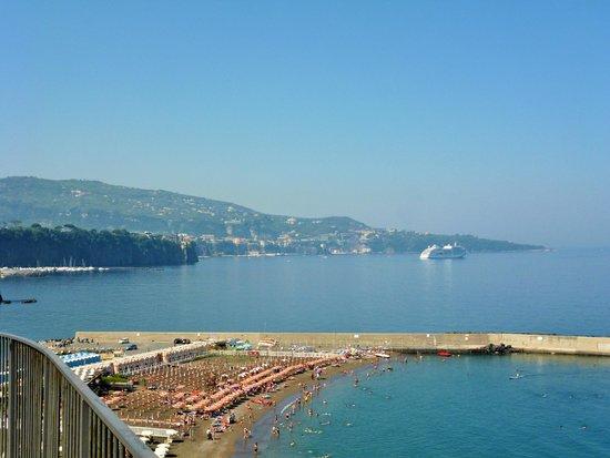 Mar Hotel Alimuri: View of Sorrento