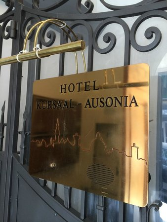 Hotel Kursaal Ausonia: Entrance