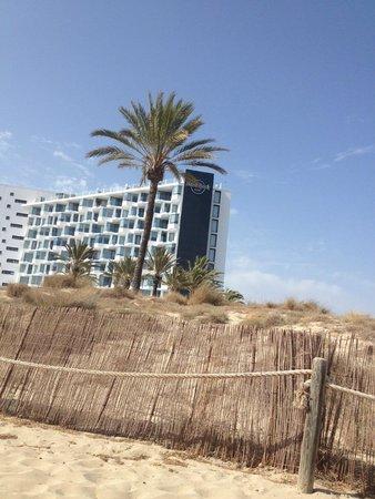Hard Rock Hotel Ibiza: Vistas desde el beach club
