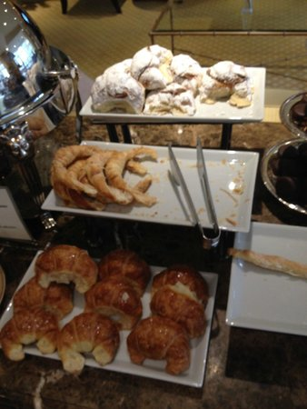 Park Tower, A Luxury Collection Hotel, Buenos Aires: Breakfast
