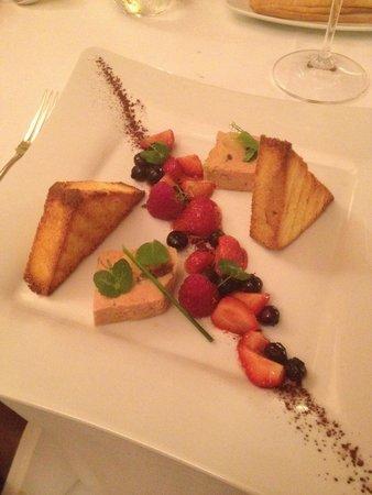Antiche Volte: Foie gras con pan brioche e frutti rossi.