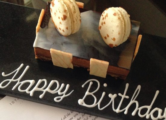 Marti Istanbul Hotel: Birthday cake from the staff of the hotel