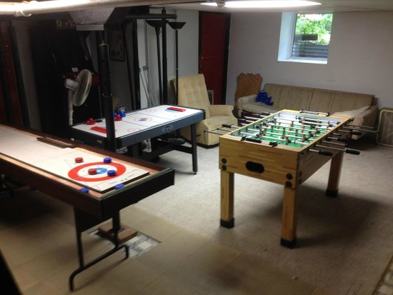 Guest House International: Games Room