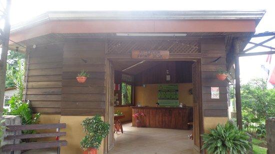 Arenal Mundo Aventura : Recepcion