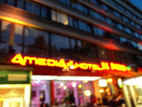 BEST WESTERN PLUS Amedia Berlin Kurfuerstendamm: Hotel bei Nacht