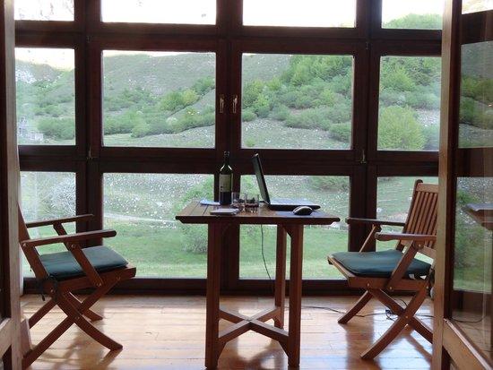 Parador de Fuente Dé: Lovely balcony and view
