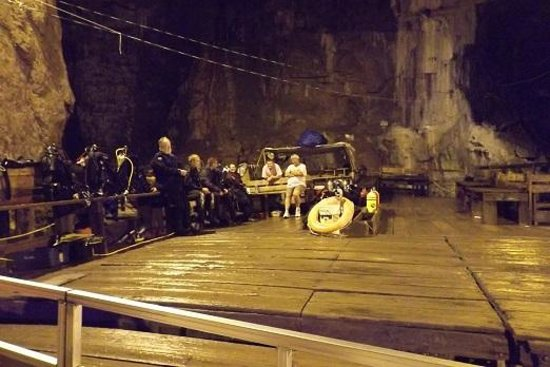 Bonne Terre Mine Tours - West End Diving: Scuba divers waiting their turn to dive