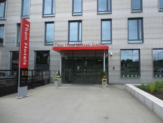 Thon Hotel Ullevaal Stadion: Entrance