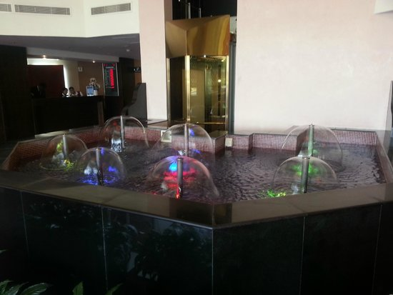 Radisson Blu Hotel, Doha: Pool