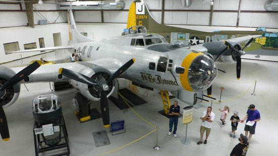 Pima Air & Space Museum: B-17 Bomber, my mom inspected their radios in WWll !
