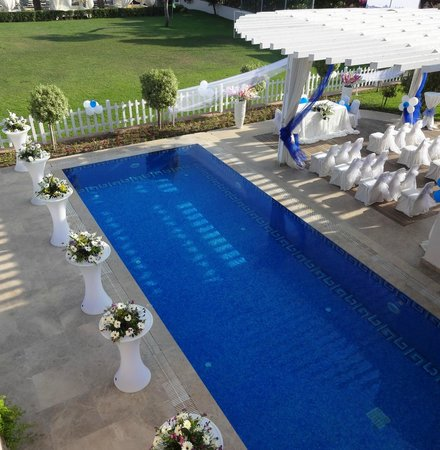 Papillon Ayscha Hotel: Wedding set up by the hotel and wedding planner