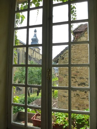 La Lanterne : A View From Living Room