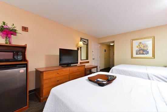 Hampton Inn Philadelphia/Bridgeport: Guest Room Suite