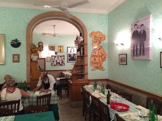Hostaria - Pizzeria  Dino & Toni: Inside dining ropm