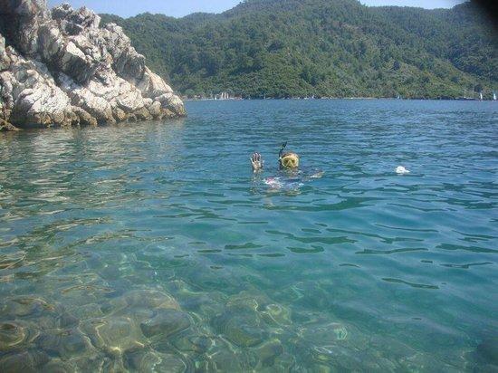 Club Adakoy Resort Hotel : Snorkelling in the bay