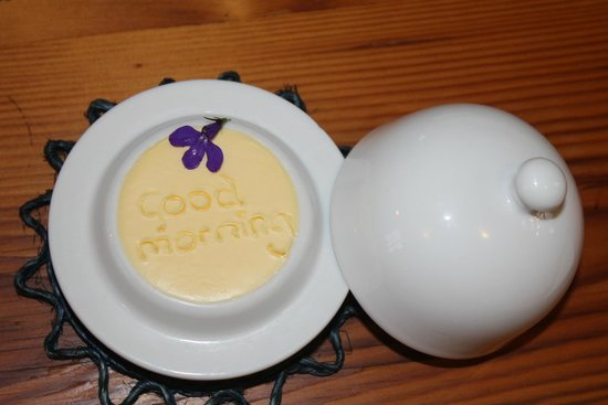 "Glentana, Sydafrika: The butter dish every morning had ""Good morning"" written in the butter."