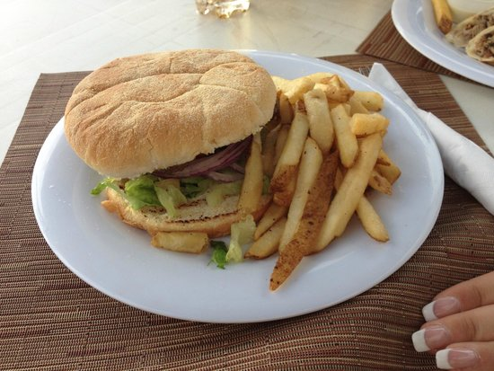 Melia Nassau Beach - All Inclusive: Big Burger