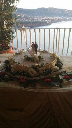 Hotel Mega Mare: la torta