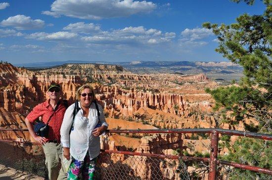 Bindlestiff Tours - Day Tours : Evening light at Bryce Canyon, Utah.