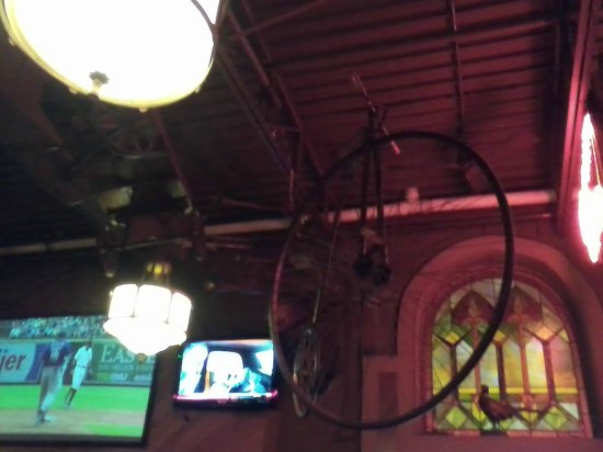 Rogers Roost Restaurant: Look at this cycle hanging from the ceiling.