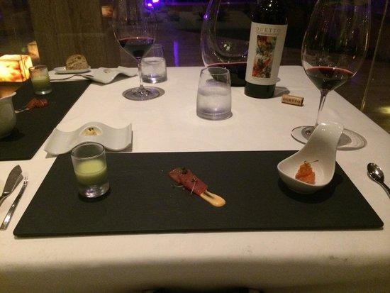 Tempo by Martin Berasategui: Menu degustação do restaurante Tempo esse foi o primeiro prato!