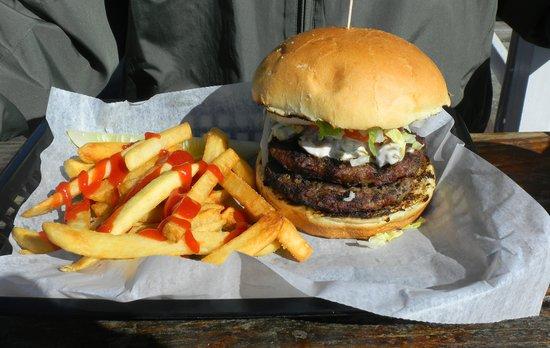 Captain Lou's: Fine burger/fries!
