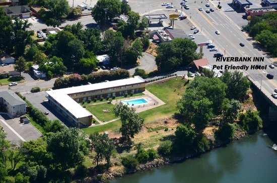 Riverbank Inn: aerial view with riverfront