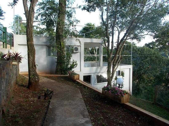 Guest House Puerto Iguazu: River view rooms, top with terrace, bottom without