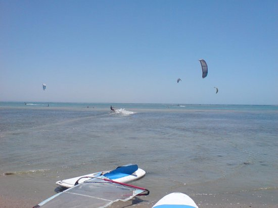 Aurora Oriental Resort Sharm El Sheikh: Kite surfing
