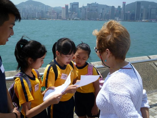 Kowloon Shangri-La Hong Kong: Chinese students studying English stopped us on Promenade to practice their English.