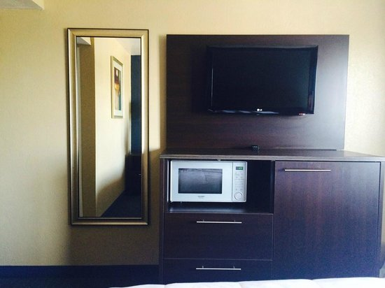 Motel One : TV/Microwave/Fridge