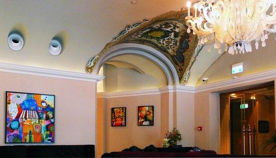 The St. Regis Moscow Nikolskaya : Restaurant with original features
