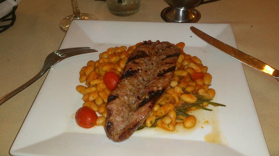 Casa Mia Trattoria Pizzeria: app wild boar sausage with beans is very big even for a main dish