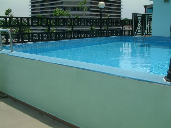Bahia Suites Hotel : TOP FLOOR POOL