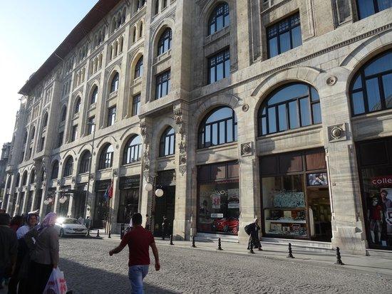 Legacy Ottoman Hotel: ENTRADA