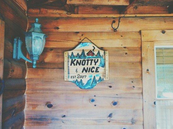 Knotty & Nice B&B: Established 2007