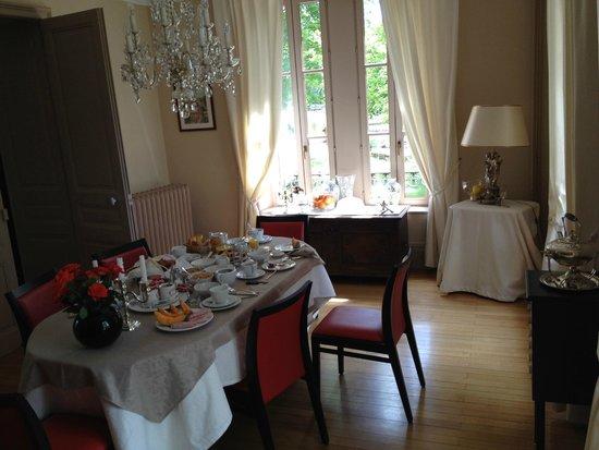 Aux Tournesols: salle à manger