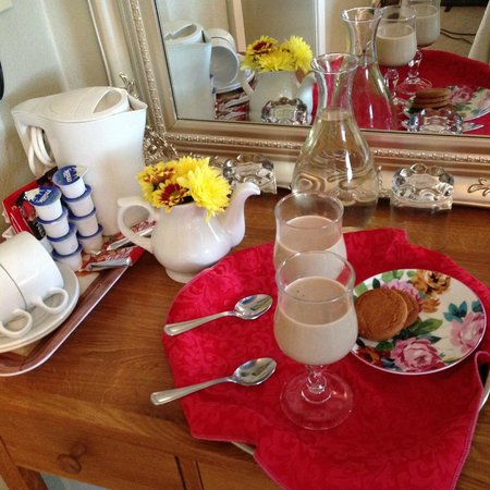 Daly's House : Susan's treats and room amenities