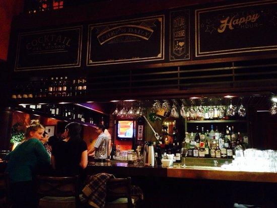 Giorgio's Trattoria: Interesting bar