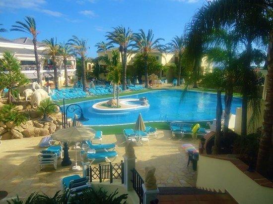 Gran Oasis Resort: Gorgeous main pool