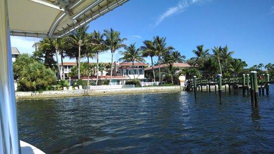 Tortuga Beach Resort: Arrival