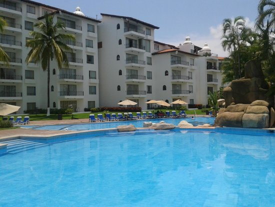 Vamar Vallarta All Inclusive Marina and Beach Resort: Hotel pool
