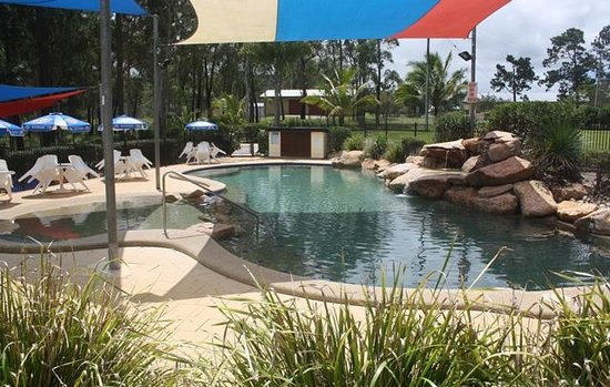 Lake Tinaroo Holiday Park: Resort Style Pool