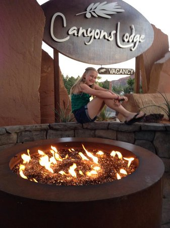 Canyons Lodge - A Canyons Collection Property: Cozy summer night in Kanab